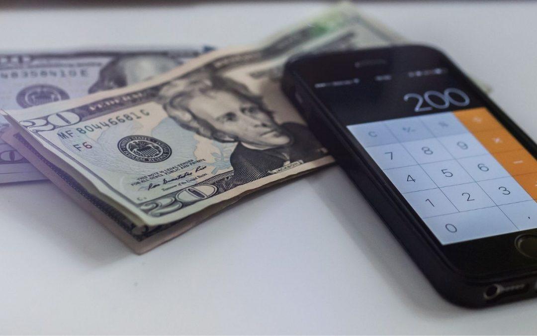 ¿Cómo ahorrar dinero con un sistema de gestión empresarial?